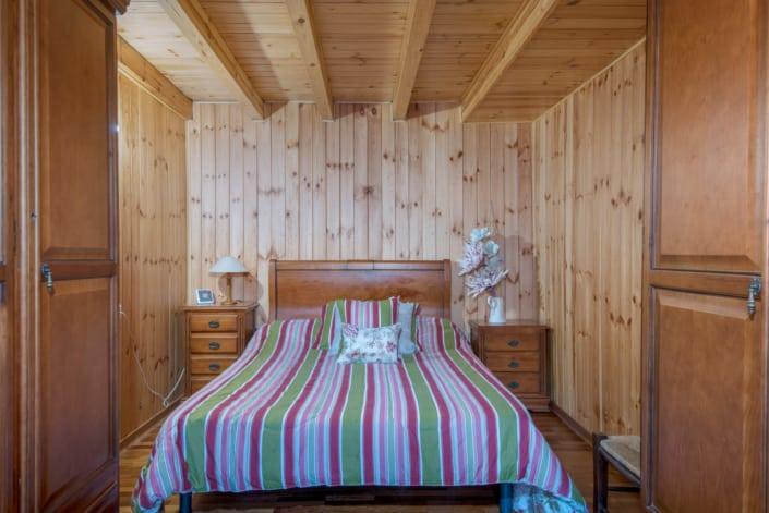casa de madera interior habitacion