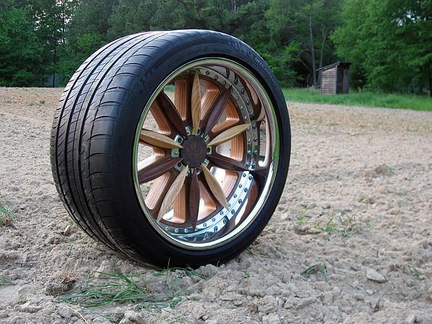 coche-de-madera