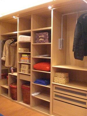 Armario y vestidores de madera - Armarios exterior madera ...