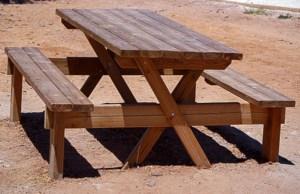 Mesa picnic de madera